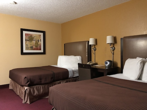 Check Expedia for Availability of Magnuson Hotel Fort Wayne North – Coliseum