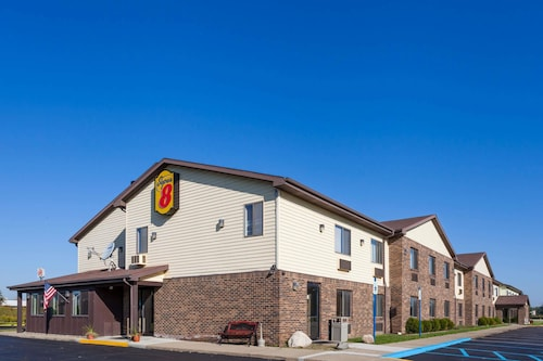 Super 8 by Wyndham Imlay City