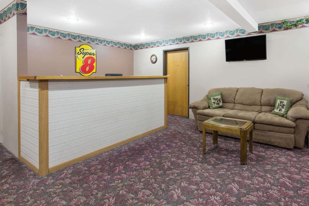 super 8 by wyndham austin mn 2018 room prices 70 deals reviews