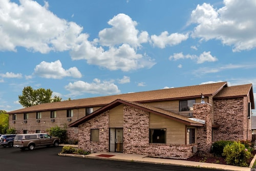 Great Place to stay Super 8 by Wyndham Hartford WI near Hartford
