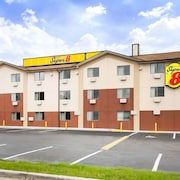Super 8 by Wyndham Chester/Richmond Area