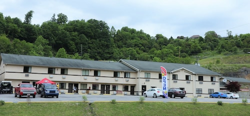 Great Place to stay American Elite Inn near Hazard