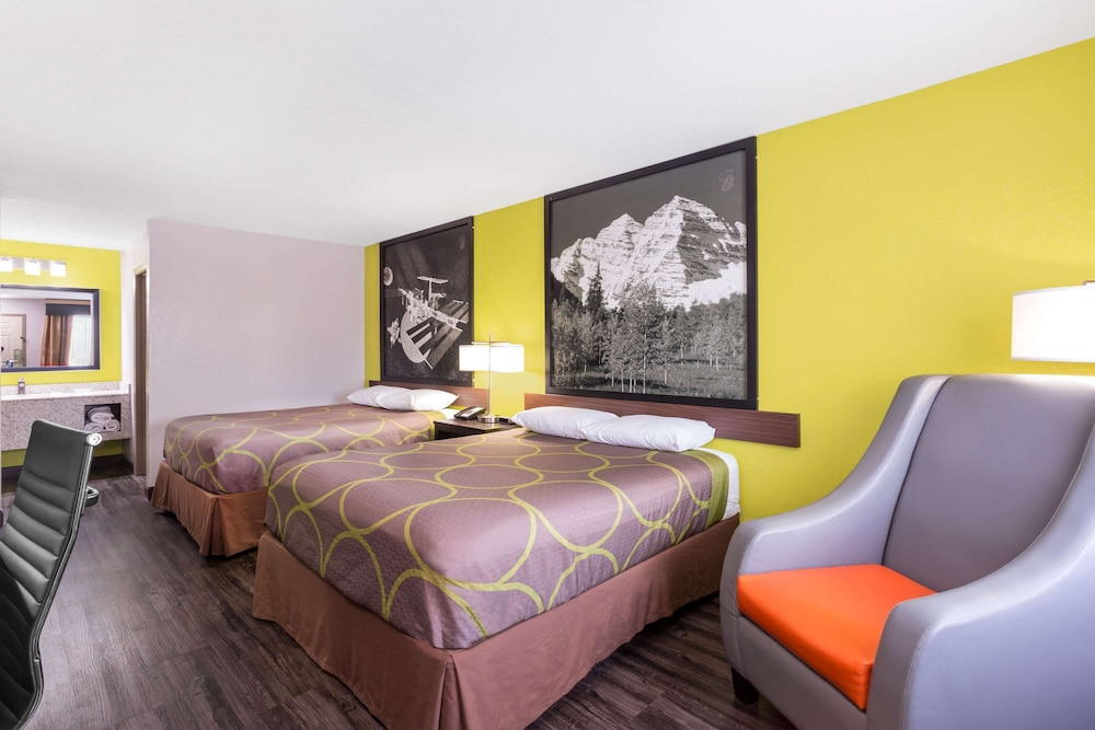 Room, Super 8 by Wyndham Prattville Montgomery