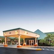 Super 8 by Wyndham North Palm Beach
