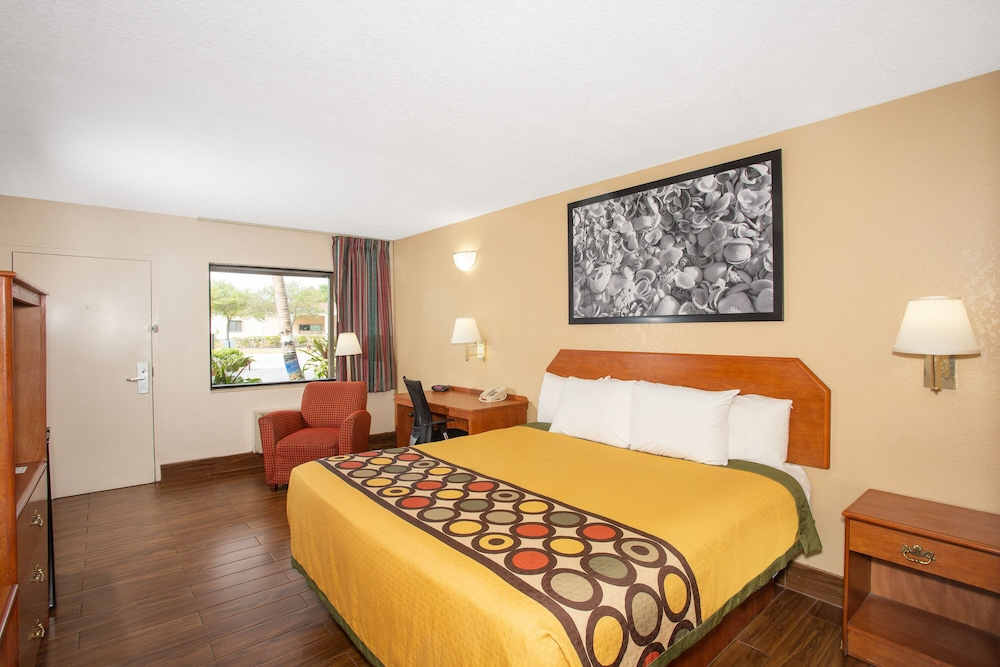 Room, Super 8 by Wyndham North Palm Beach