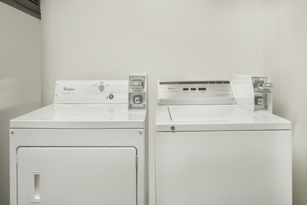 Laundry Room, Super 8 by Wyndham Chico