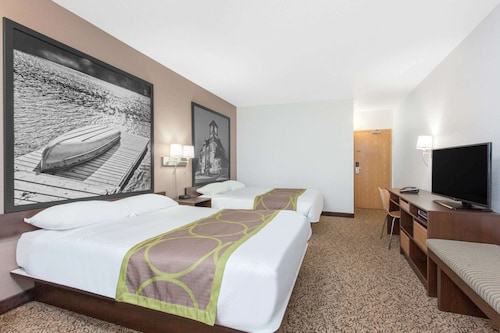 Super 8 by Wyndham Kenora