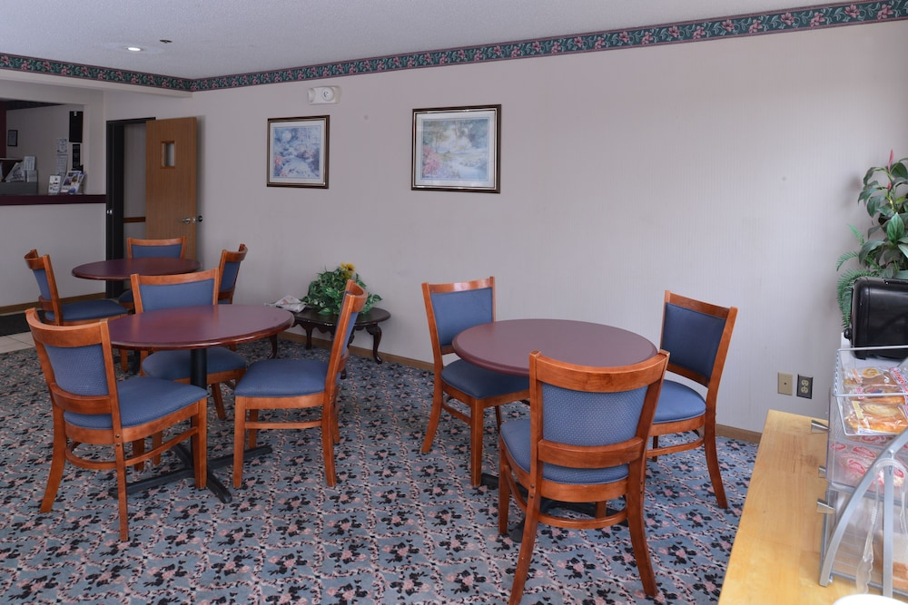 Reception, Americas Best Value Inn Wenona