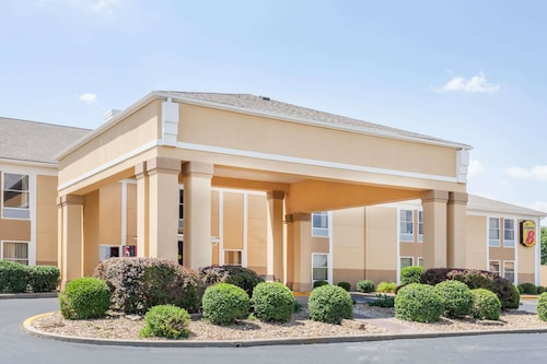 Great Place to stay Super 8 by Wyndham Evansville North near Evansville