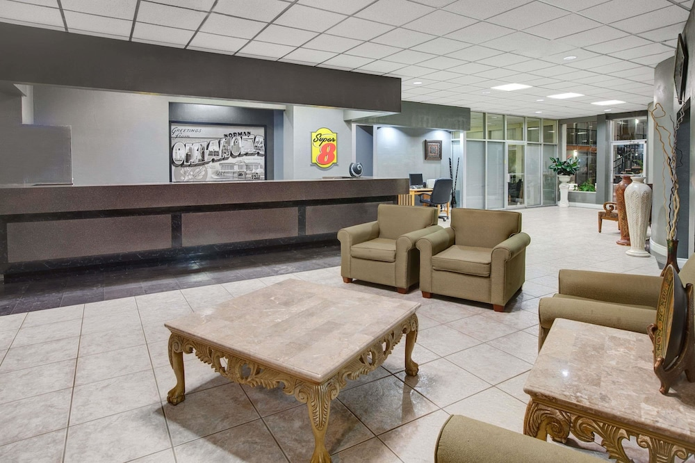 Lobby, Super 8 by Wyndham Norman