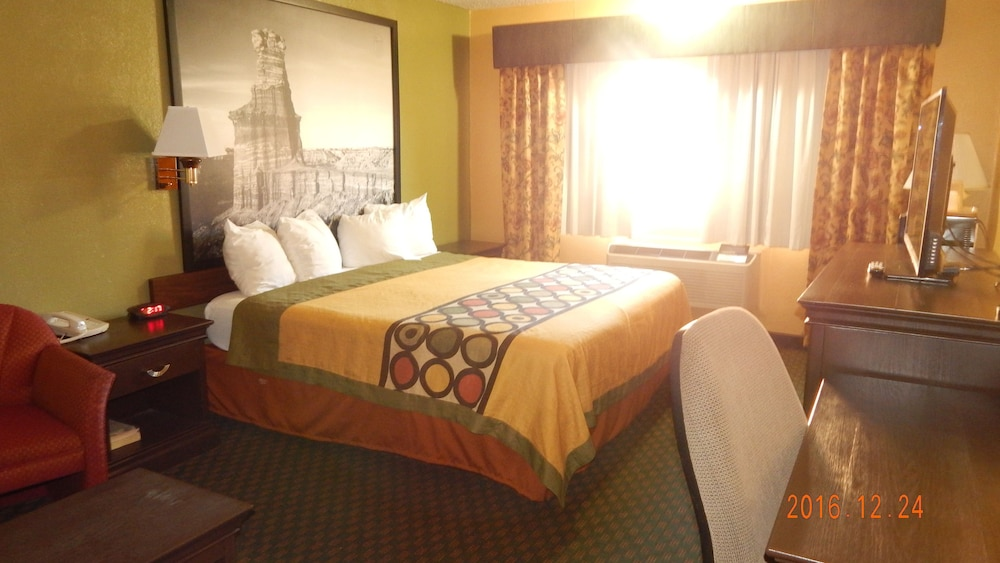 Room, Super 8 by Wyndham Amarillo Central TX
