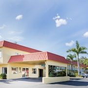 Super 8 Sarasota Near Siesta Key