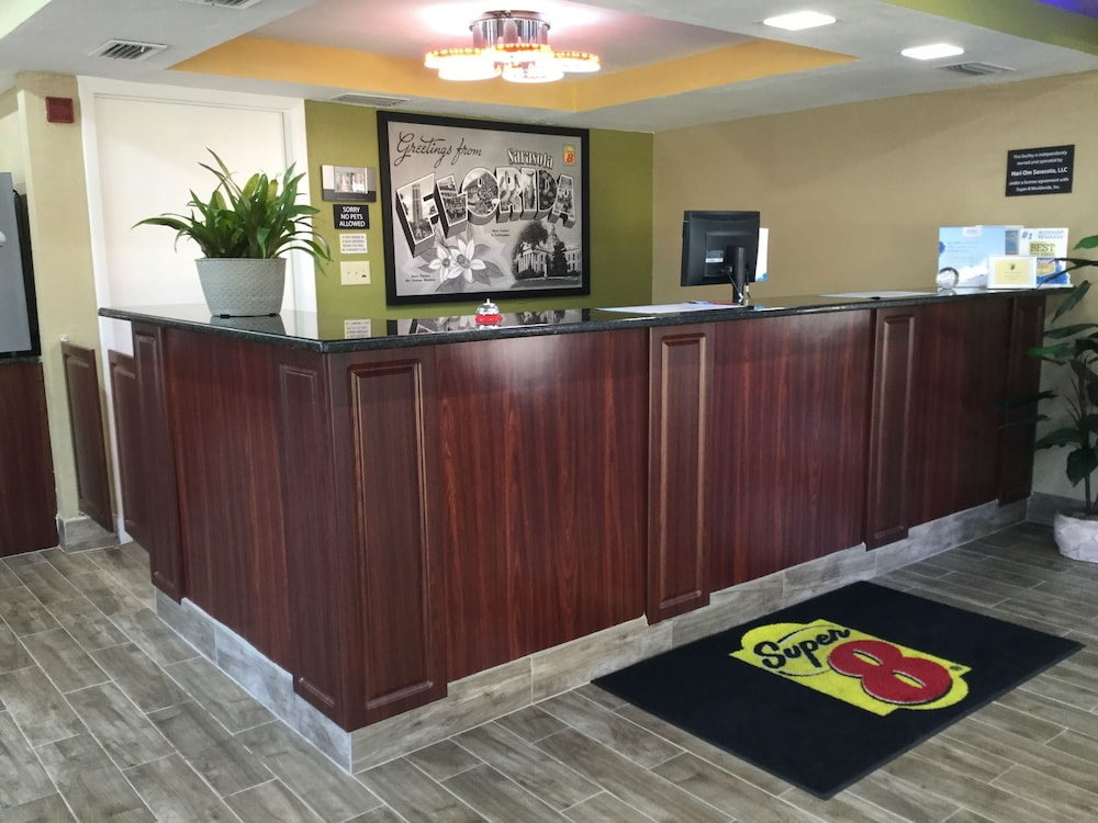 Reception, Super 8 by Wyndham Sarasota Near Siesta Key