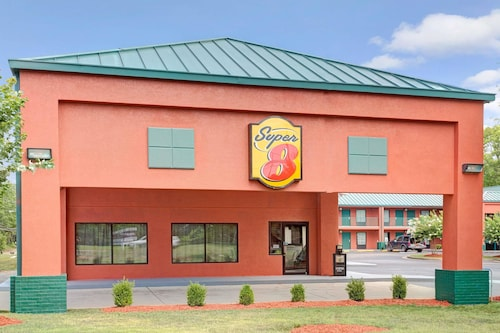 Great Place to stay Super 8 by Wyndham Gainesville near Gainesville