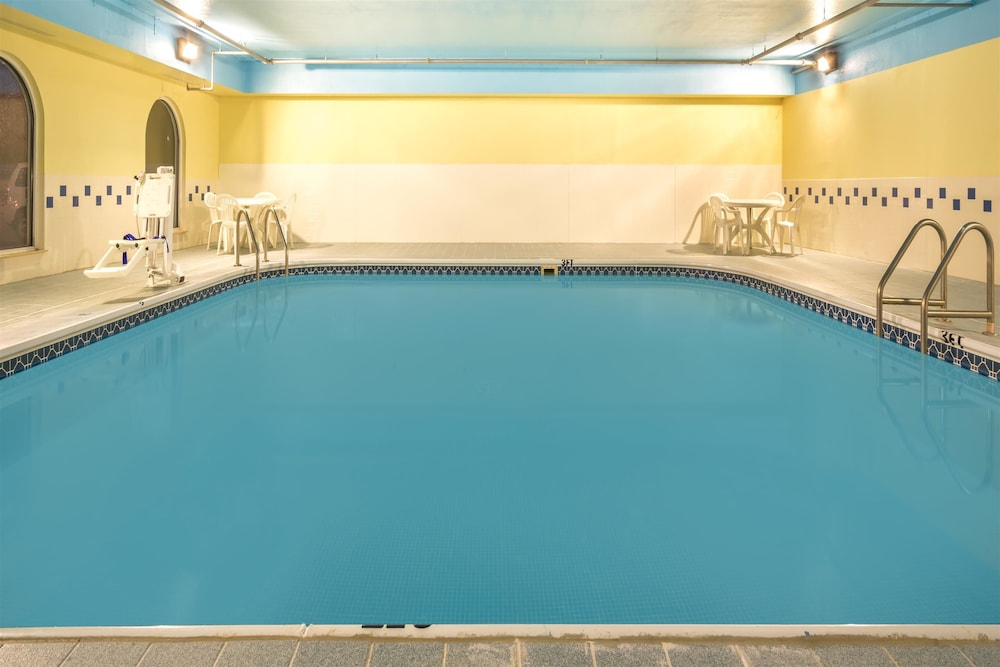 Pool 1 of 32