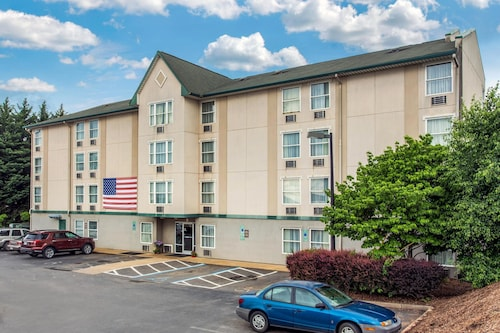 Great Place to stay Rodeway Inn & Suites near Outlet Mall - Asheville near Asheville