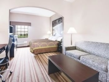 Book super 8 monett mo monett hotel deals for The family room monett mo