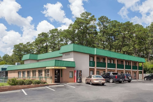 Super 8 by Wyndham Columbia SC / Ft. Jackson