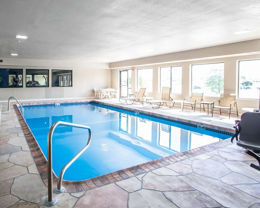 Pool, Comfort Inn Lees Summit @ Hwy 50 & Hwy 291