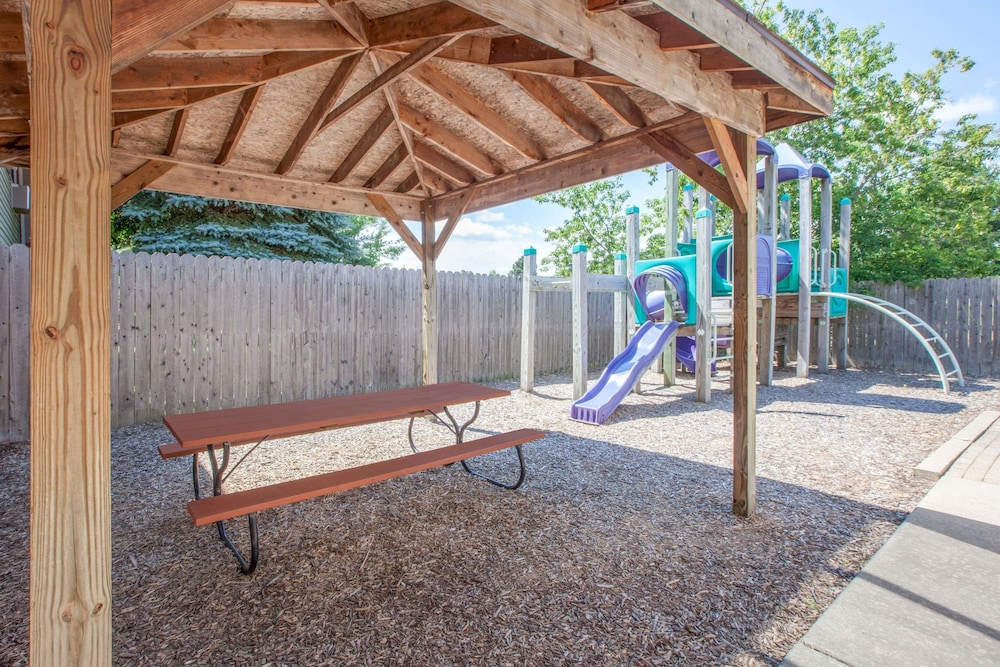 Children's Play Area - Outdoor, Super 8 by Wyndham Houghton Lake