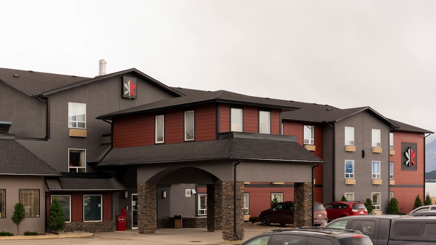 The Kanata by BCMInns Invermere
