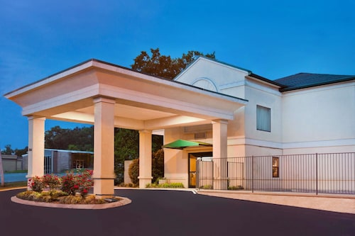 Super 8 by Wyndham Ft. Oglethorpe GA/Chatt TN Area