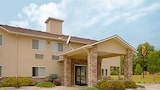 Super 8 Cresco IA - Cresco Hotels