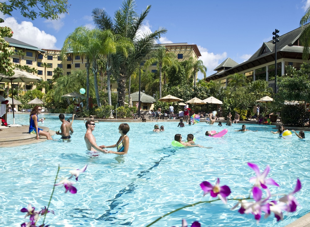 Outdoor Pool, Universal's Loews Royal Pacific Resort