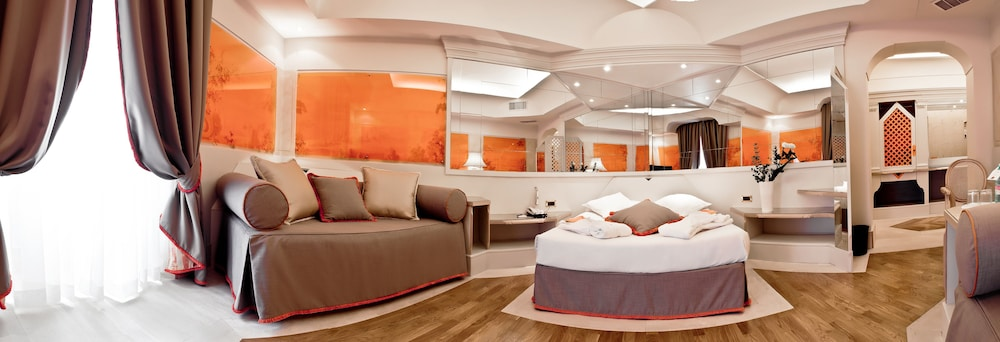 Isa design hotel reviews photos rates for Design hotel employee rate