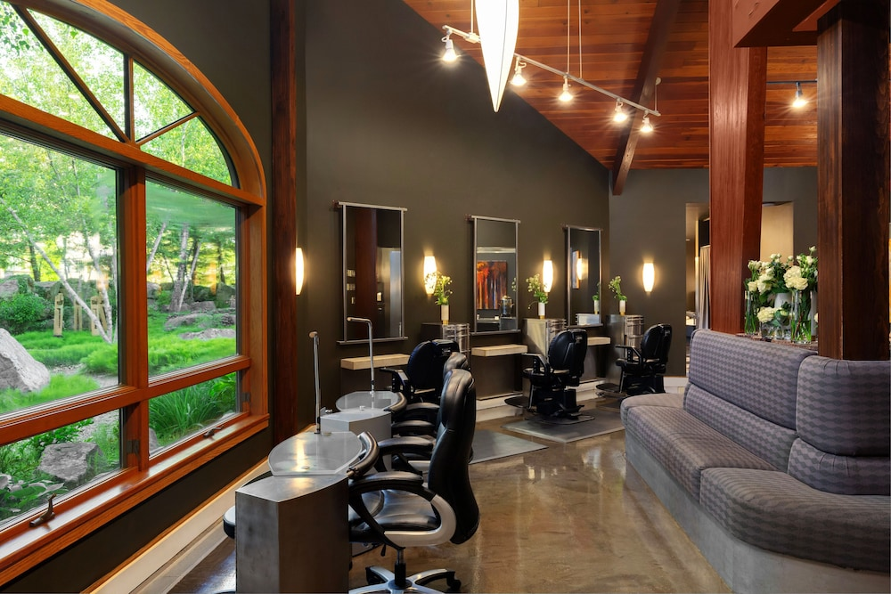 Nail Salon, Nemacolin Woodlands Resort