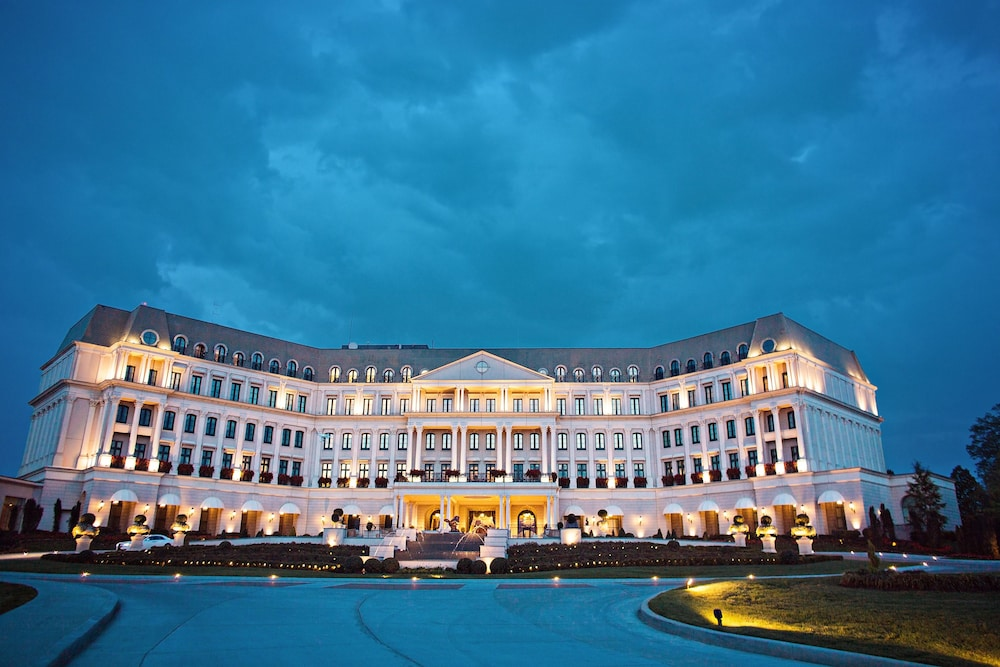 Front of Property - Evening/Night, Nemacolin Woodlands Resort