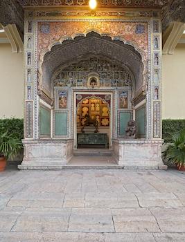 Gangapole, Jaipur, Rajasthan 302002, India.