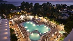 Indoor pool, 2 outdoor pools, free pool cabanas, pool umbrellas