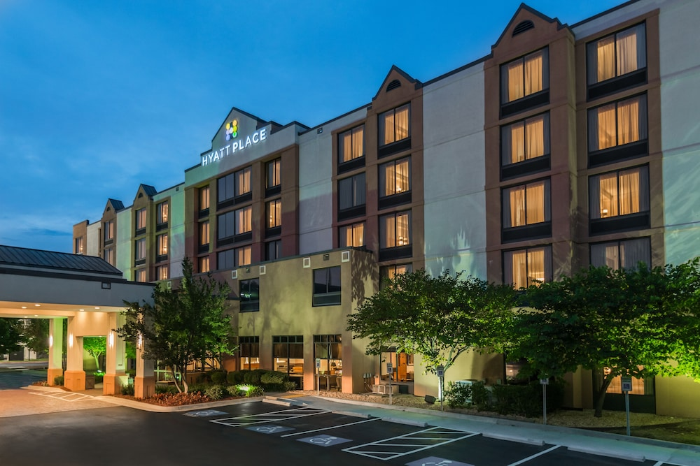 Front of Property - Evening/Night, Hyatt Place Rogers/Bentonville