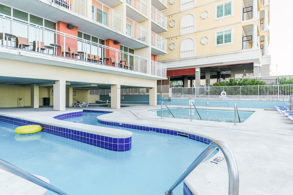 Outdoor Pool, Palette Resort Myrtle Beach by OYO