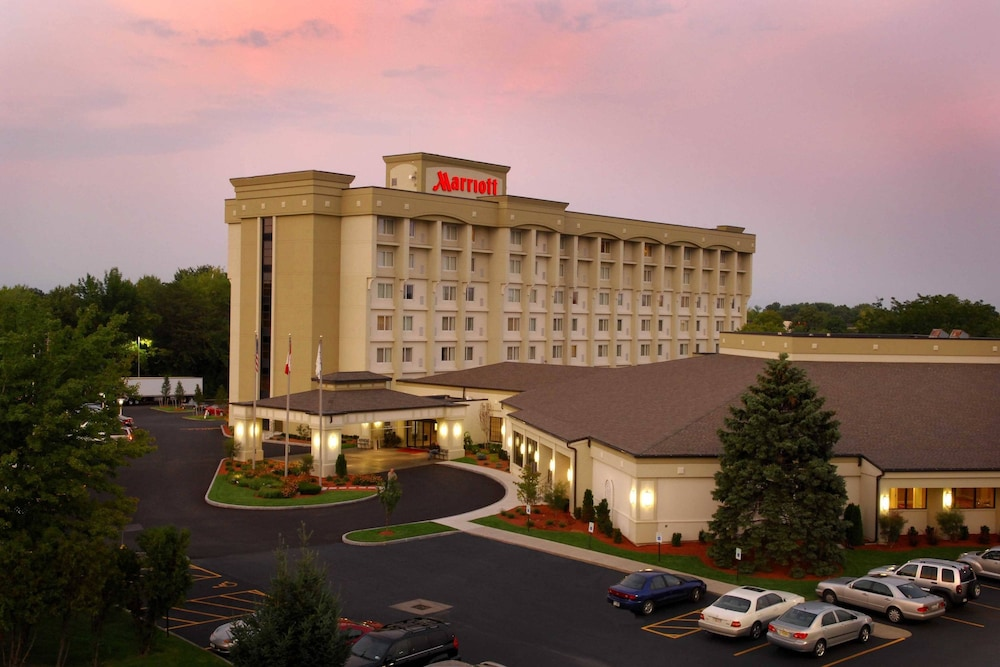 Exterior, Rochester Airport Marriott