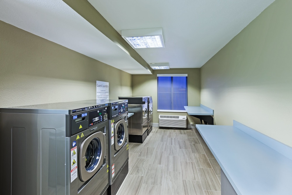 Laundry, Holiday Inn Express Hotel & Suites Dallas Lewisville