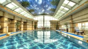 室內泳池、瀑布池