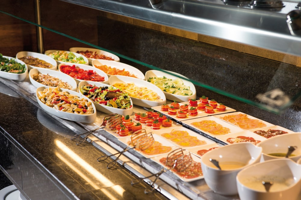 Breakfast buffet, RIU Palace Tropical Bay All Inclusive