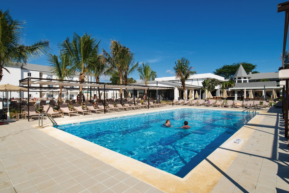 Pool, RIU Palace Tropical Bay All Inclusive