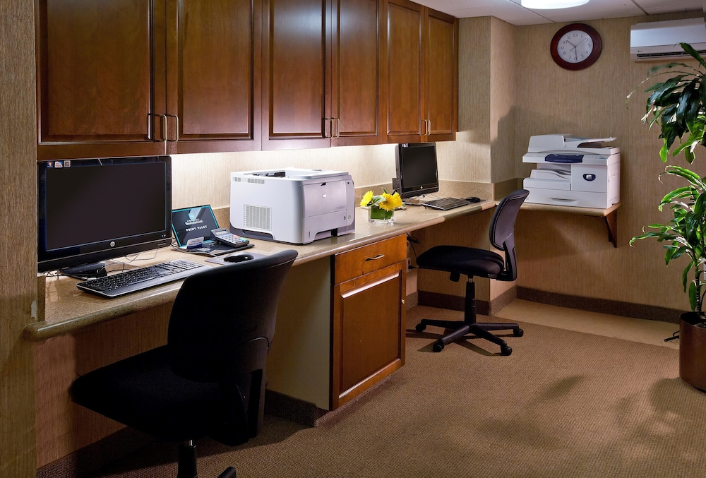 Business Center, Embassy Suites by Hilton Sacramento - Riverfront Promenade