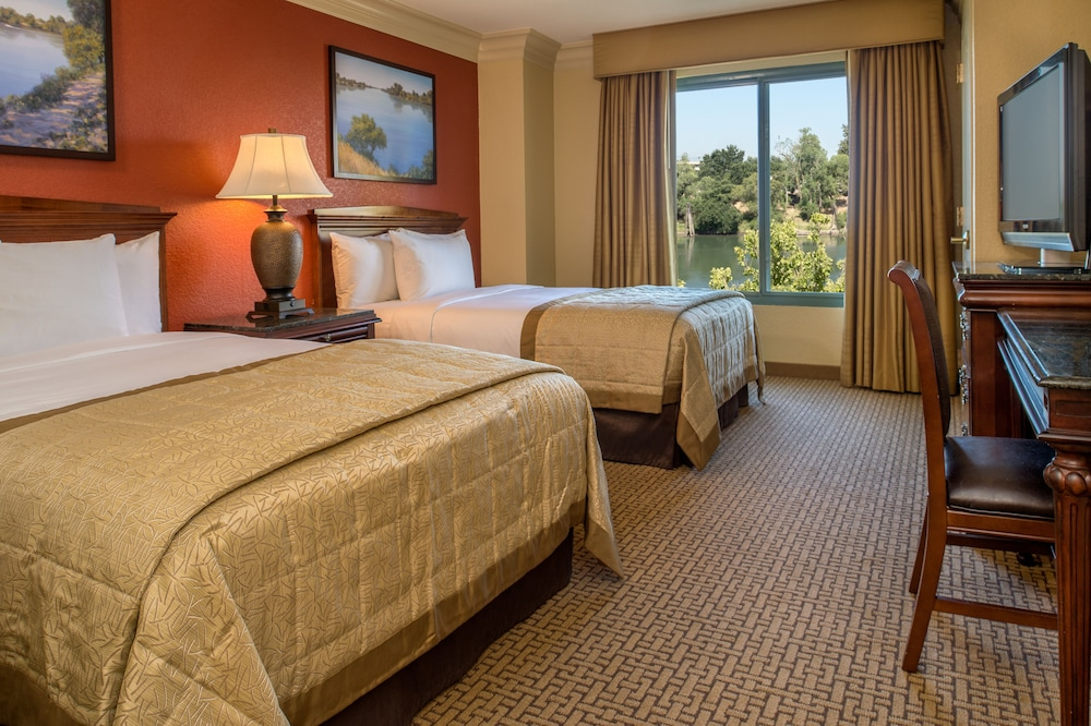 Room, Embassy Suites by Hilton Sacramento - Riverfront Promenade
