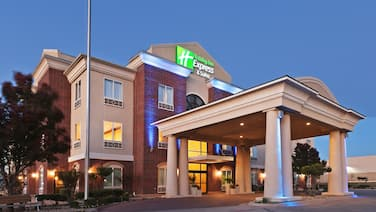 Holiday Inn Express And Suites, an IHG Hotel