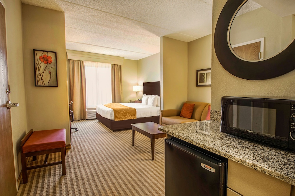 Comfort Suites Near Universal Orlando Resort In Orlando Hotel Rates Reviews On Orbitz