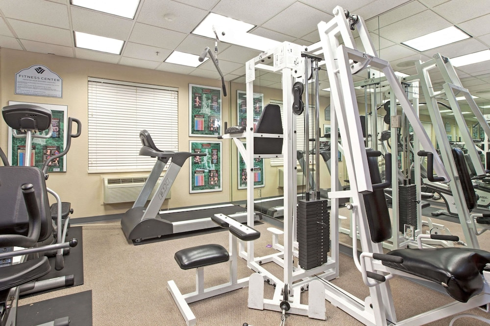 Fitness Facility, Wingate by Wyndham Houston Bush Intercontinental Airport IAH