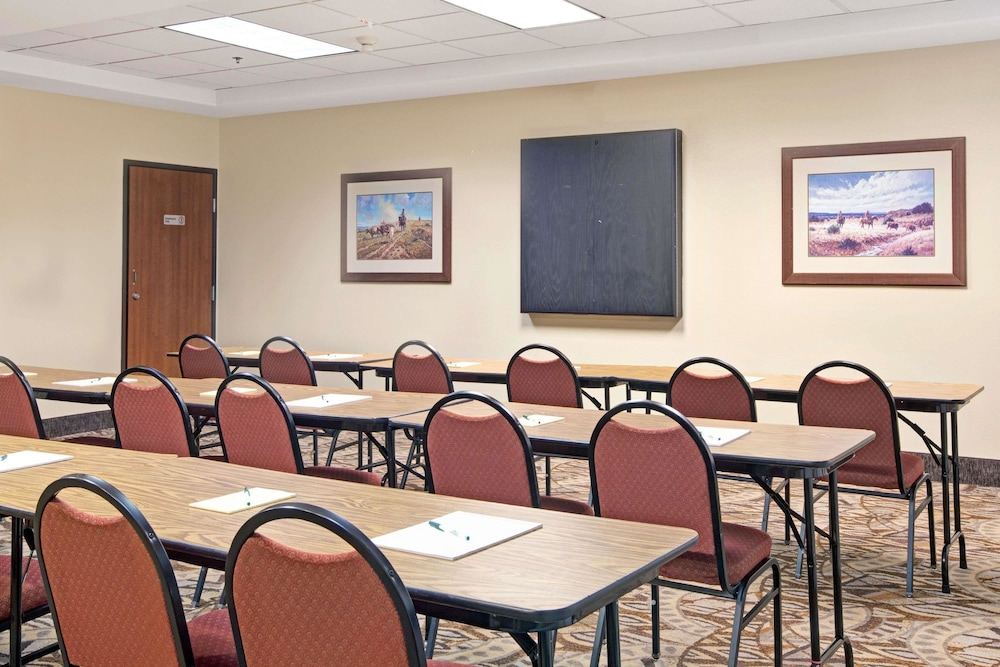 Meeting Facility, Wingate by Wyndham Houston Bush Intercontinental Airport IAH
