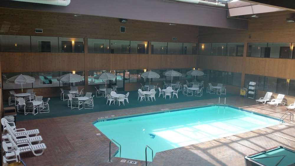 Indoor Pool, Woodfield Inn and Suites