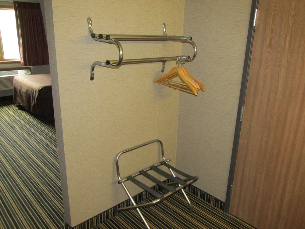 Room Amenity, Woodfield Inn and Suites