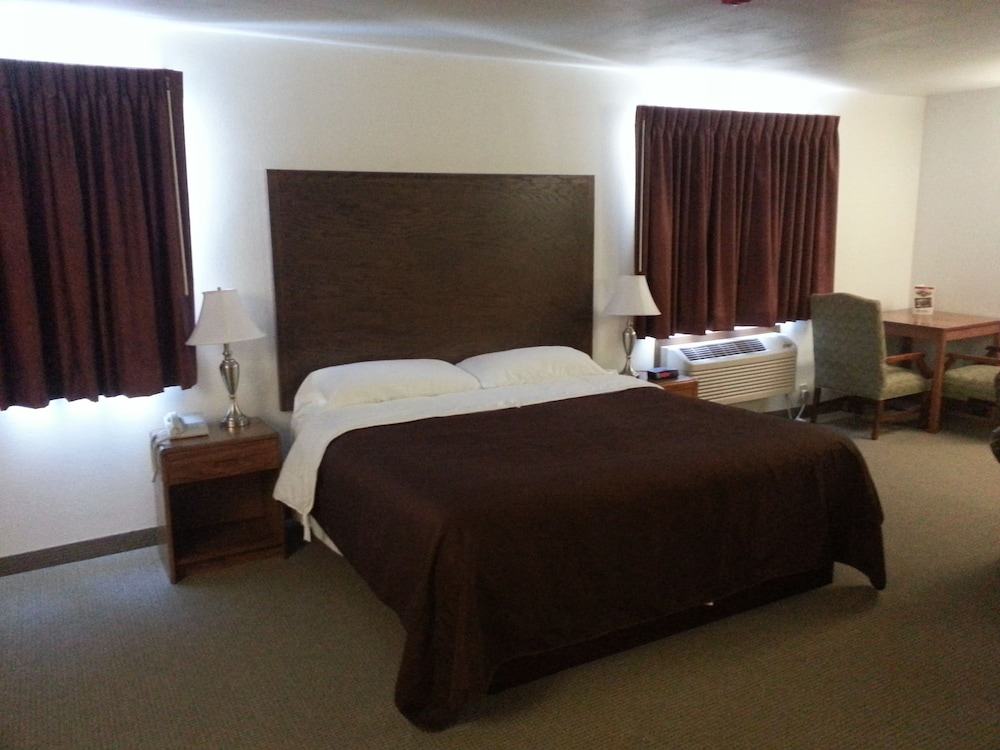 Room, Woodfield Inn and Suites