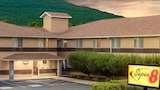 Super 8 Burnham Lewistown - Burnham Hotels